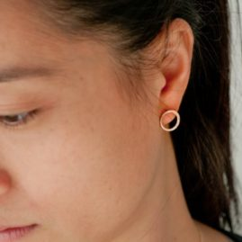 ravissantes boucles d'oreilles Unfold