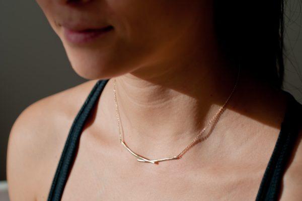 collier délicat et texturé unfold